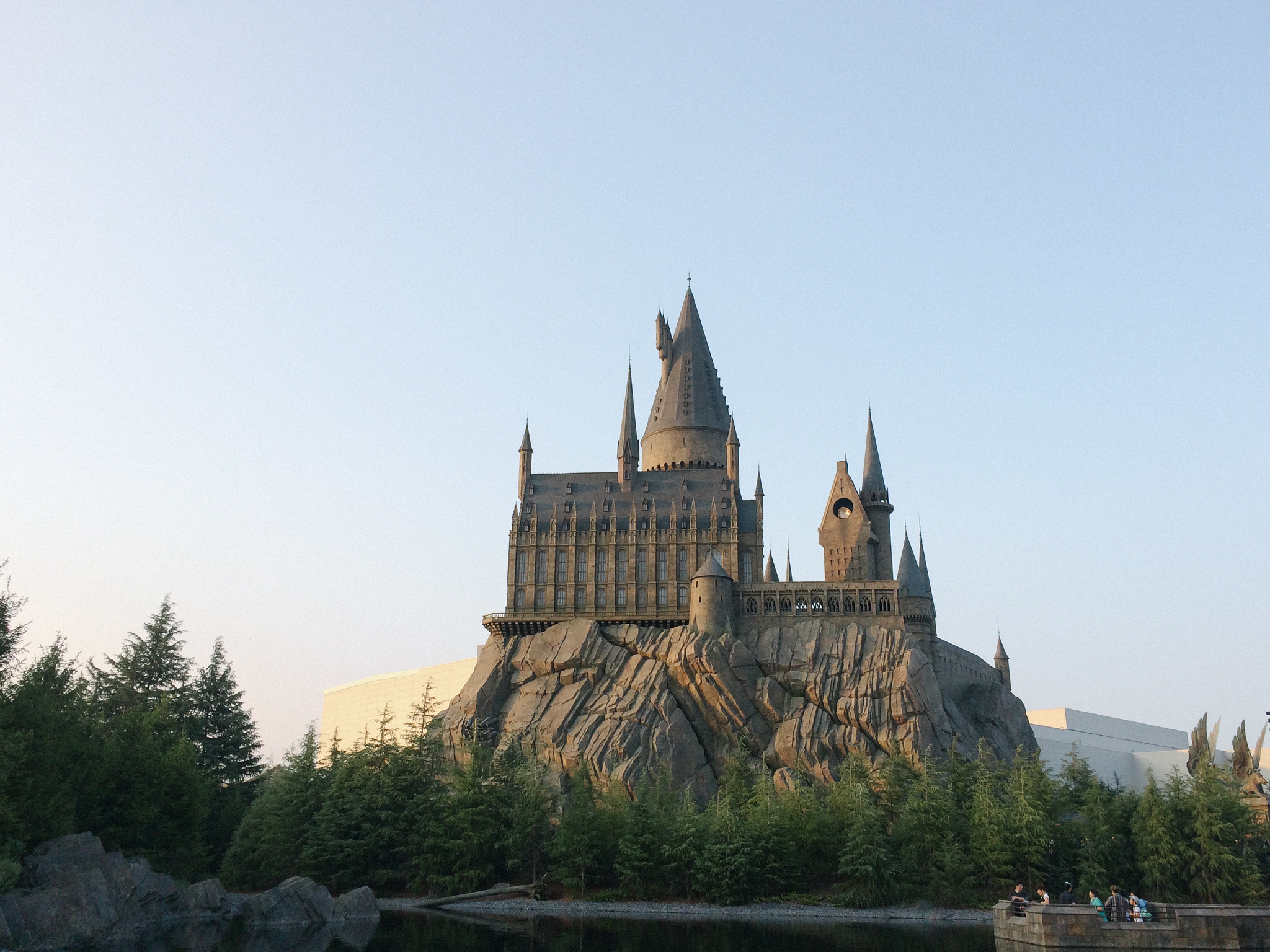 TCHAN! Hogwarts! This was absolutely amazing.